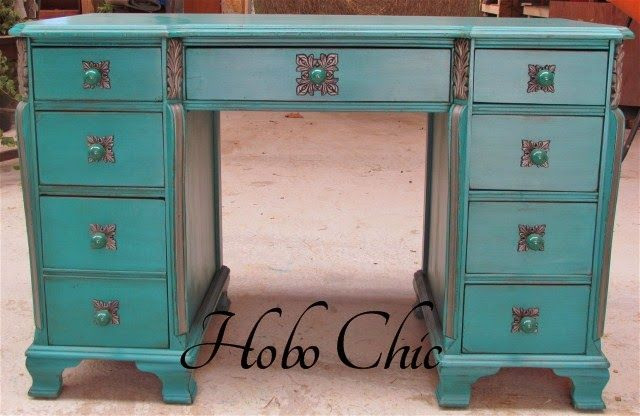 Desk Makeover By Hobo Chic - Featured On Furniture Flippin' - FurnitureFlippin.com