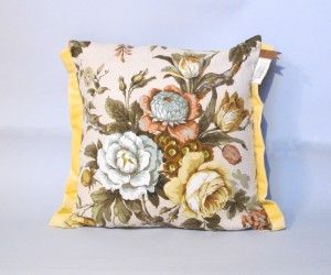 'Bankdirektörens soffa' gul from Two of a Kind <3 Vintage cushions