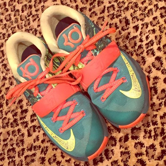 NIKE KD SNEAKERS SZ 3.5Y Worn maybe three times. Shades green , neon yellow and neon orange. Little scuff on wearers left top but hard to notice. Nike Shoes Sneakers