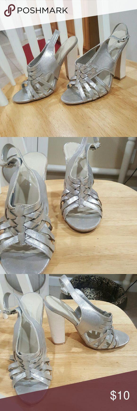 Shoedazzle silver chunky heels Item: silver chunky heels  Brand: shoedazzle  Size: 8 Condition: very good Shoe Dazzle Shoes Heels