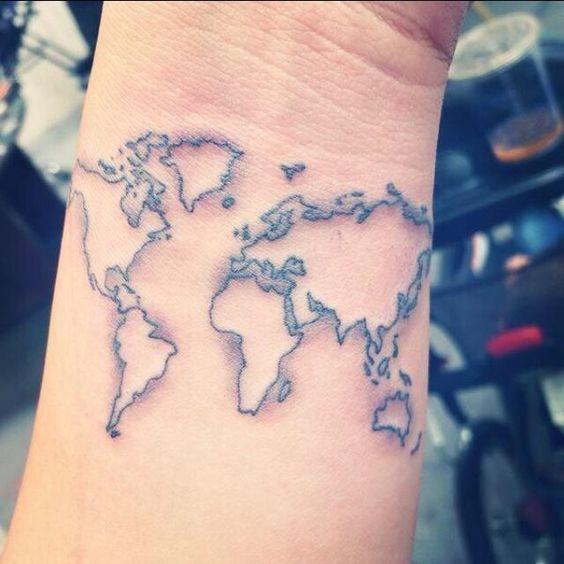 17 meilleures id es propos de les tatouages de la carte du monde sur pinterest tatouages de - Tatouage theme voyage ...