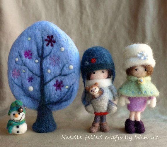 Needle felted handmade OOAK Winter tree blue por FunFeltByWinnie