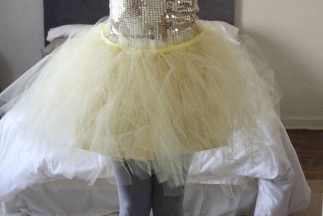 how to make a tutu haha for our toddlers & tiaras costumes @Nicole Novembrino May @the red stitch Klick
