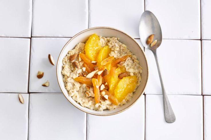 Kijk wat een lekker recept ik heb gevonden op Allerhande! Havermoutpap met gedroogde abrikozen en sinaasappel