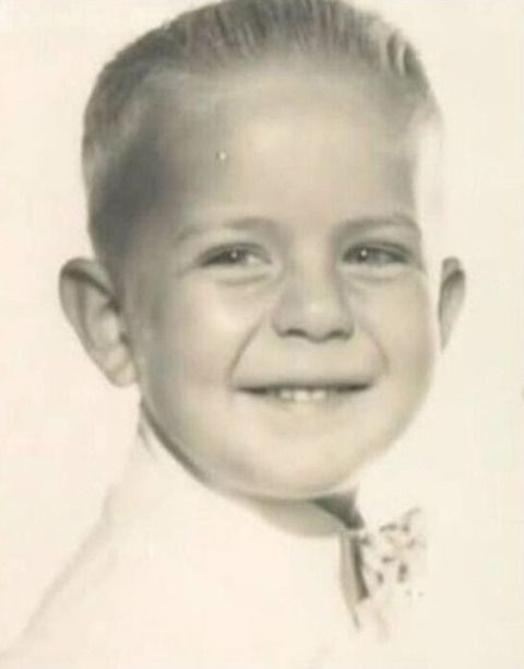 Young Bruce Willis (born Walter Bruce Willis in Idar-Oberstein, West Germany 1955)