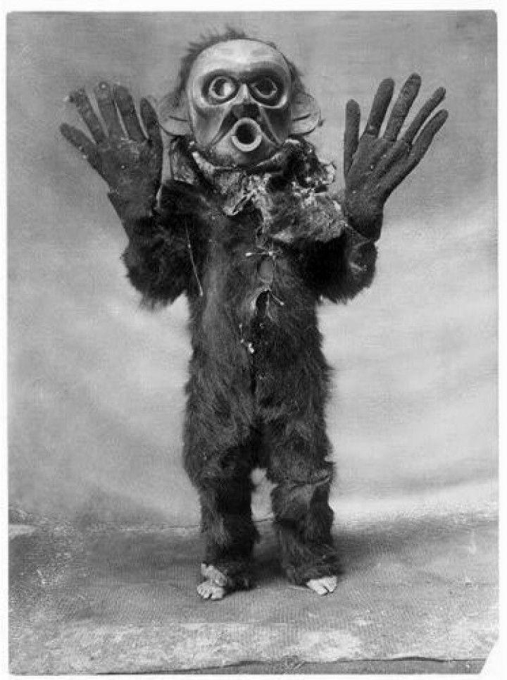 Koskimo wearing a Hami mask