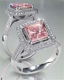 pink diamonds...AHHHHHHHHHHHHH!!! It's beautiful and IT'S PIIIIIIINK!!!!