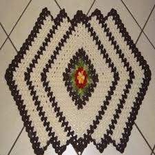 modelo de tapete de croche com mini flores - Pesquisa Google