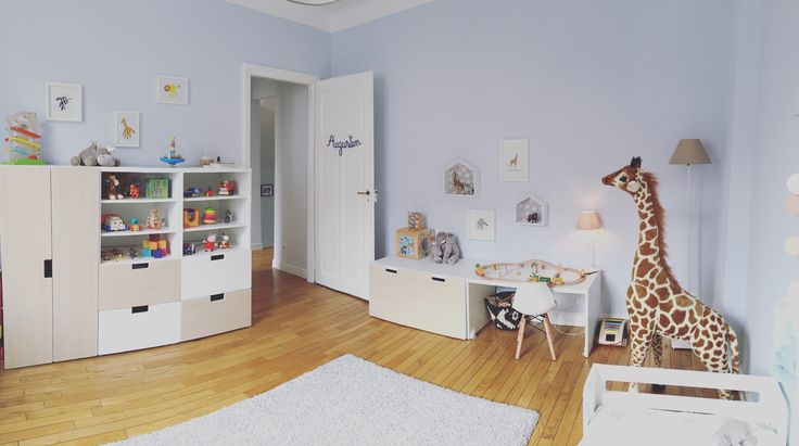 Scandinave boy's room -  Ikea stuva - kids chair eames