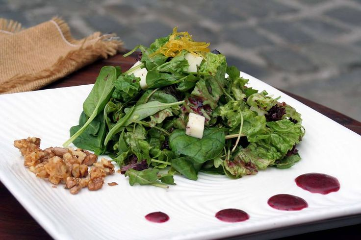 Green salad with pecorino cheese, lemon confit, caramelized walnuts and blueberry jam dressing. Paparouna Wine Restaurant & Cocktail Bar | Sunday cooking...