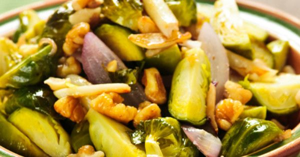 These Garlic Roasted Brussels Sprouts with Onions & Walnuts Are Packed ...