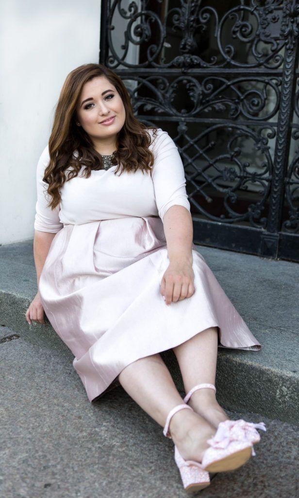 Mehr Plus Size Outfits findet ihr auf:  SchönWild.   http://schoenwild.de/guido-maria-kretschmer-fashion-show-soulfully-soulglam-event-plus-size-fashion-week-outfit/