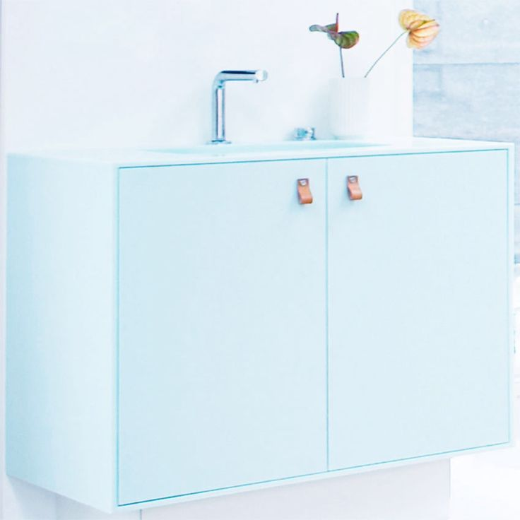 Møbel til badeværelse - corian