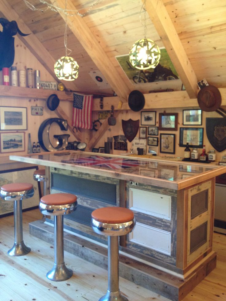 Now This Is A Bar Barn Bar Made Of Recycled Doors Wood