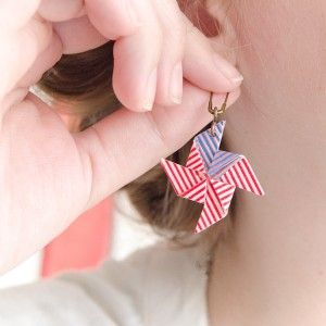 Make these washi tape earrings in just 10 minutes. Show off these whimsical wonders at your next summer BBQ, or 4th of July party.