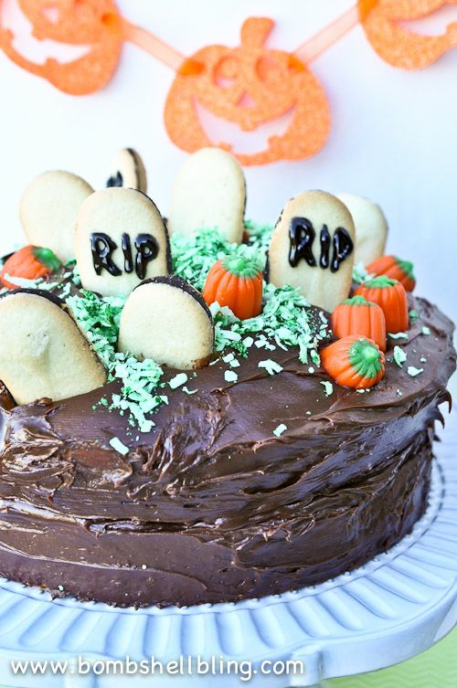The Halloween Graveyard Cake from Bombshell Bling can be made in a flash, but it is sure to impress at your Halloween party!