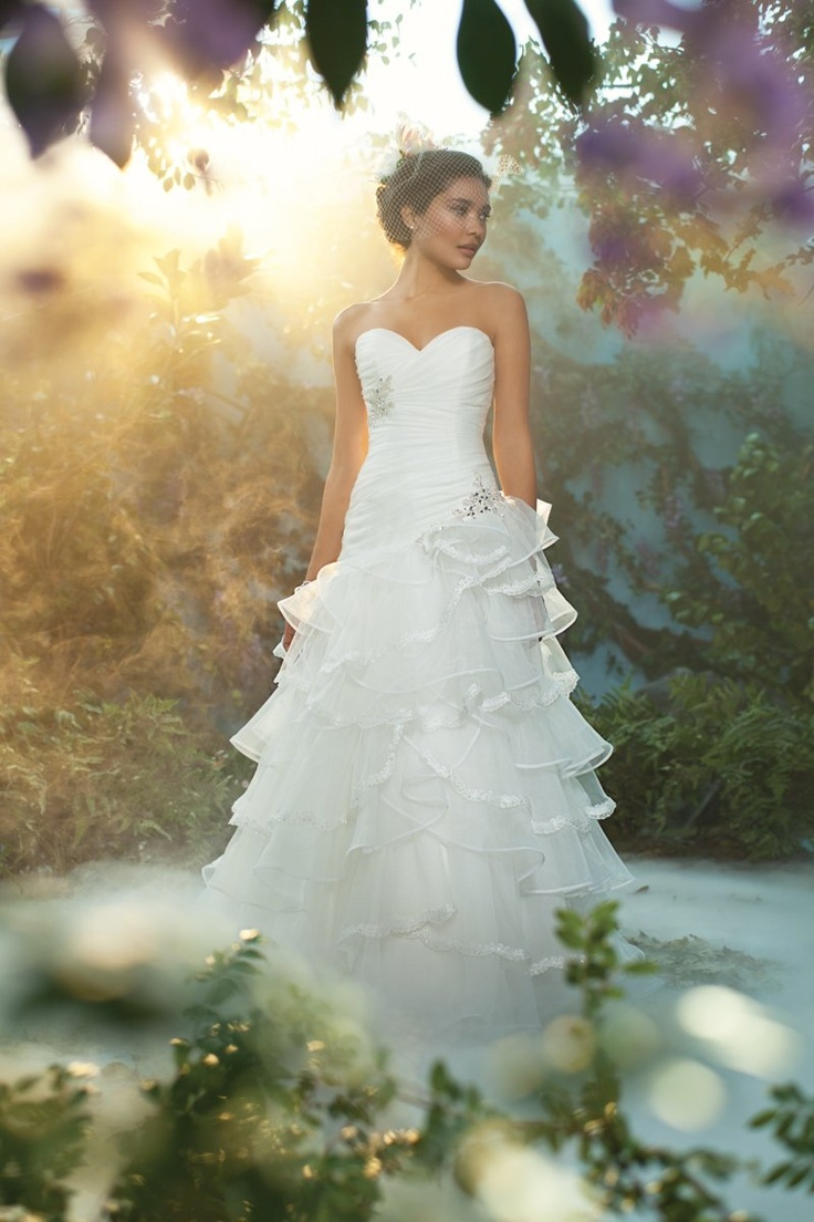 97 best Wedding dresses images on Pinterest | Wedding frocks, Bridal ...