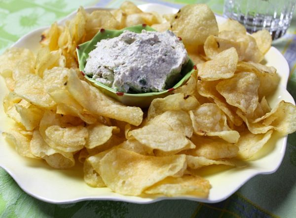 "This is a recipe I adapted from a dear co-worker, Gwen Farlow...if you like a real ""kick"", try a little habañero pepper in the dip...if you prefer mild, then try green pepper...I serve the dip with reduced fat potato chips...celery sticks would also be very tasty!"