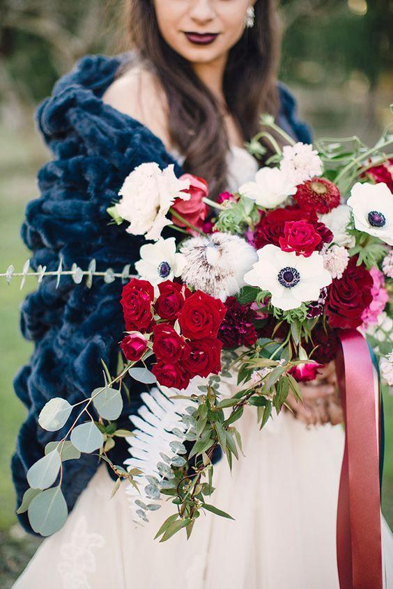 navy and burgundy wedding idea