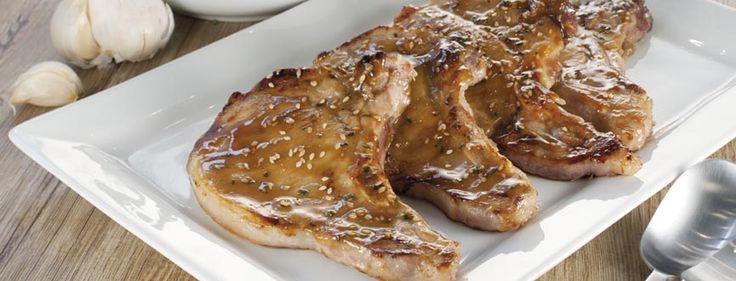 Côtes de porc marinées au miel moutarde et sésame #recette #porc #facile