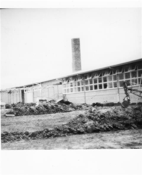 c1959 Building works at Boundary Road East Geelong http://victoriancollections.net.au/items/5180877c2162ef17dc6f446a