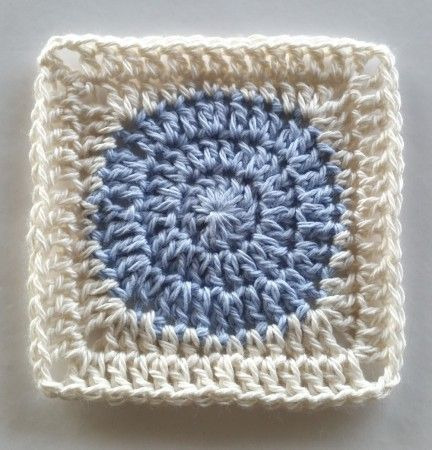 Squaring the Circle Crochet Pattern Tutorial - Spin Cushions by Shelley Husband