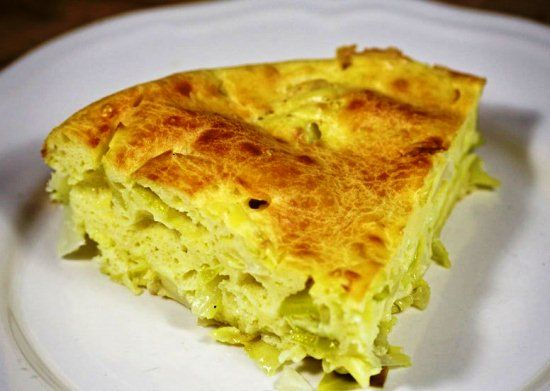 Ароматный заливной пирог с яйцами, сметаной и капустой: как приготовить простое, диетическое и полезное блюдо читайте на сайте Лучшие рецепты для духовки