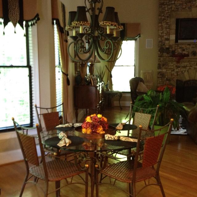 Breakfast room-