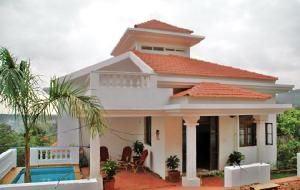 Three bedroom villa with fantastic sunset views, hillside with a stunning panorama view of the Arabian Sea, quiet, peaceful location, fully furnished with top quality, three open terraces with sea views, swimming pool, full landscaping,  and just  20 minute walk to the beach. For more info contact: allproperty@devant.no #goa #india #villa #property #homes