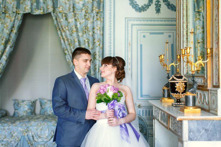 Музей усадьба Кусково - замечательное место для свадебной фотосессии: здесь есть и природа, и красивая архитектура, а если погода не благосклонна можно отправиться на фотосессию в усадебный дом.