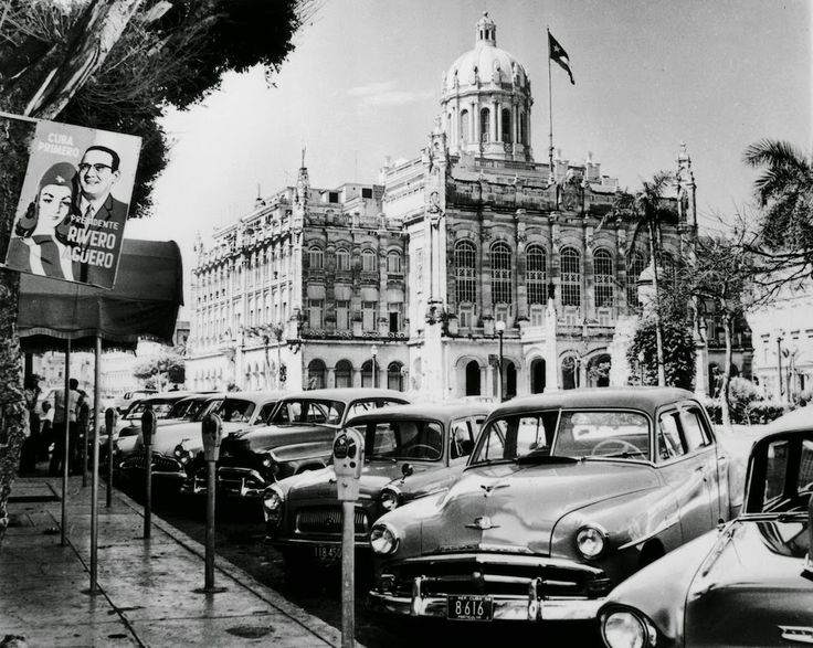 vintage everyday: Black and White Photos of Daily Life in Havana, Cuba from between the 1930s-1950s before Castro and the Revolution