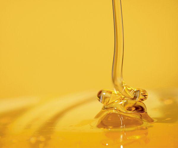 Le miel est une substance sucrée fabriquée par les abeilles à l'aide du nectar des fleurs. Le miel est riche en glucides, vitamines du groupe B et sels minéraux : potassium, calcium, sodium…