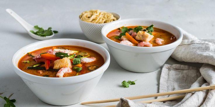 Oppskrift på Fiskesuppe med kokosmelk og sambal oelek.