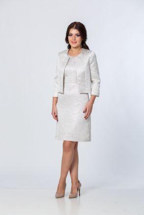 Jachetă, argintie, scurtă, cu mâneci trei sferturi. O găsești pe www.dames.ro