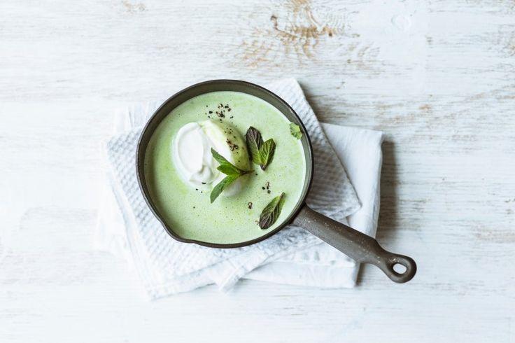 Erbsen-Limetten-Suppe mit Minze - Wenn es schnell gehen muss aber der Genuss nicht auf der Strecke bleiben soll, ist die Erbsensuppe mit der Frische von Limetten und Minze genau das Richtige!