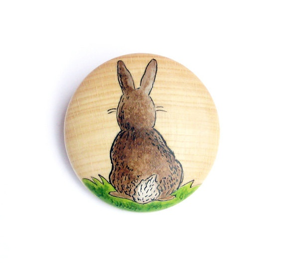Painted Rabbit -Wooden brooch by JullMade19 00 Sweets Sweets, Wooden Brooches, Texas Bees, Rabbit Wooden, Painting Rabbit, Crafts Inspiration, Wood Jewelry, Handmade Jewelry