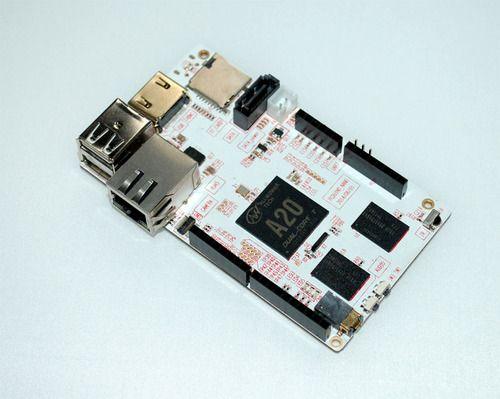 pcDuino3 Nano: A20 Single Board Computer supports Arduino Programming