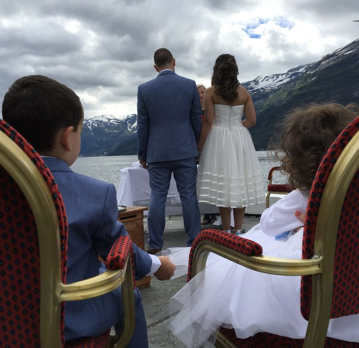 Live out your dream - get married in Norway!