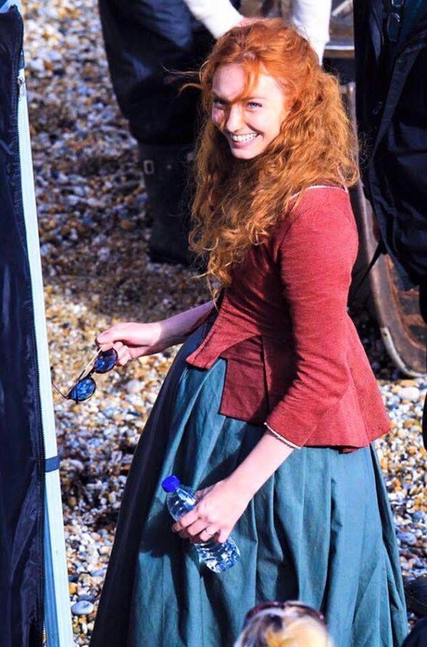 Poldark series 2: Eleanor Tomlinson looks radiant as she films fishing scenes in…