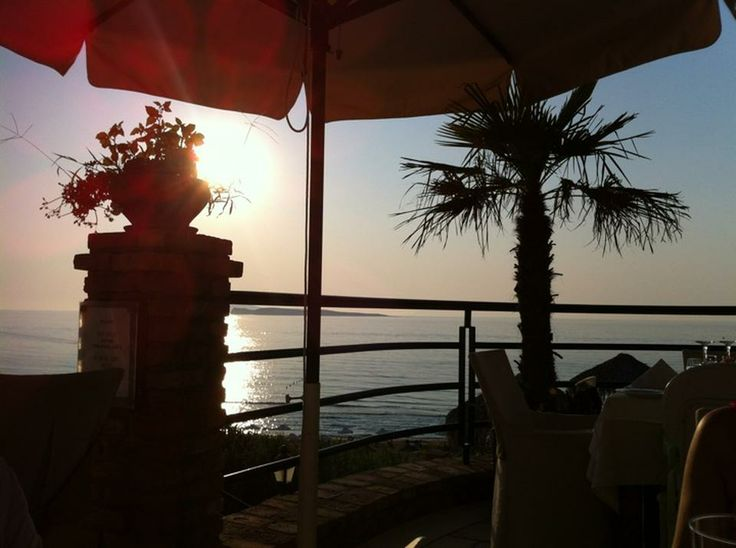 Superb sunset view from the restaurant at Delfino Blu. Image via @i t.