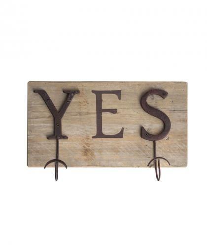 Appendiabiti Yes, con ganci in ferro brunito e legno di recupero