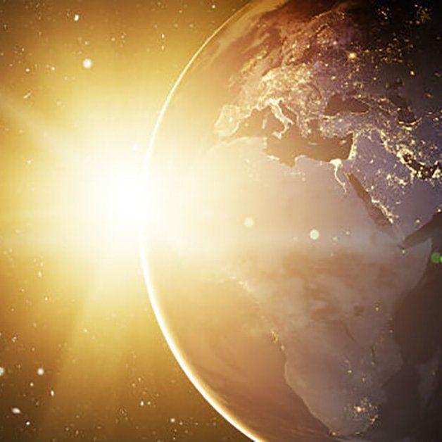 Isis Alada: Ola de energía cósmica en la noche del 25 y durant...