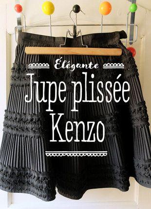 À vendre sur #vintedfrance ! http://www.vinted.fr/mode-femmes/jupes-plissees/26679968-jupe-plissee-noire-kenzo-jungle