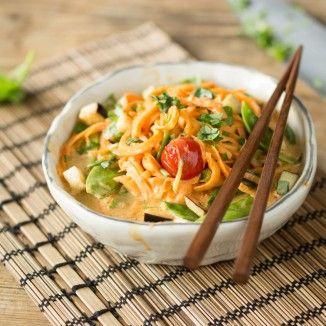 Rotes Thai Curry mit Süßkartoffel-Nudeln_featured