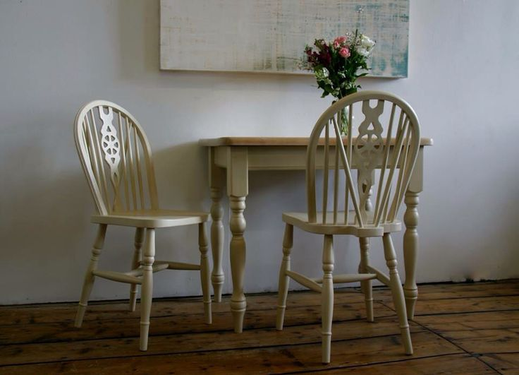 Pine farmhouse table, painted in Annie Sloan old ocre, with a beautifully restored table top.  Perfect for a small dining space with the old ocre wheel back chairs to match or standing alone as a hall table.