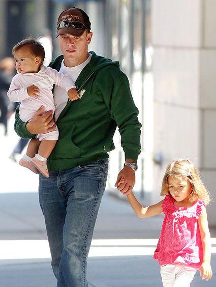 Matt Damon and daughters