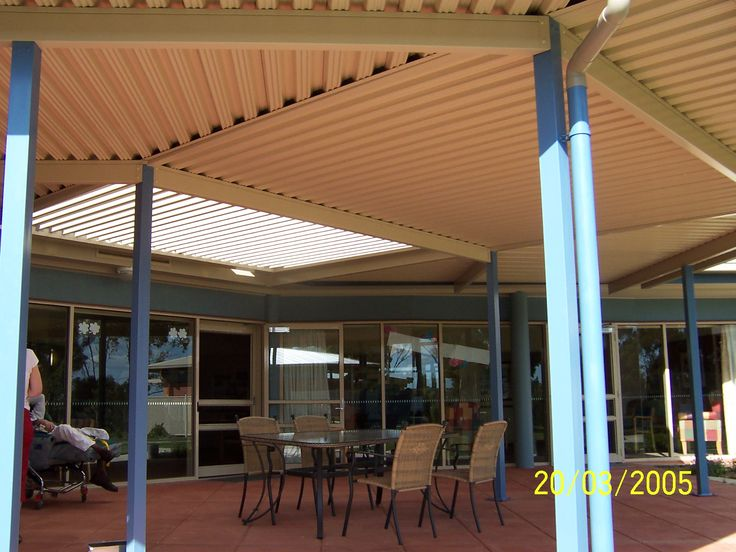 Enjoy your outdoor area all your round with an opening roof system, you control the amount of light, sun & shade in your outdoor area.