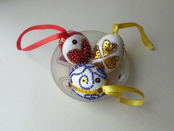 Gombostű és húsvéti tojások - Mesés gyöngyök