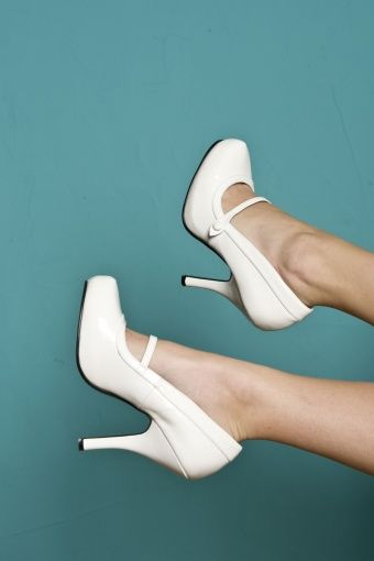 Pinup Couture 40s Cutiepie Mary Jane White platform patent pumps