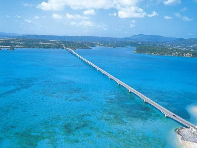 Kouri Bridge / Okinawa This bridge is about 2,000 yards long and is the 2nd longest bridge in Japan.